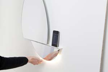 Interactive mirror with drylin linear guide