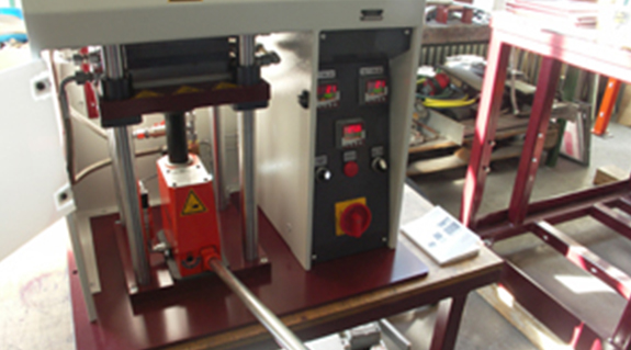 Bearings for lab presses